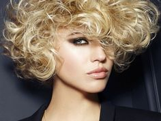 Short curly hair pics to help you create a fresh look Short Curly Haircuts Images Of Short Haircuts, Long Face Haircuts, Edgy Short Haircuts, Face Shape Hairstyles, Curly Bob Hairstyles, 2018 Haircuts, Short Natural Curly Hair, Curly Hair Cuts, Wavy Hair