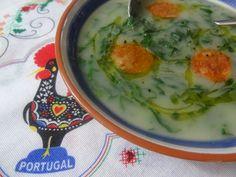 Portuguese Green Soup.. Caldo Verde! http://portuguesediner.com/tiamaria/portuguese-caldo-verde-green-soup/