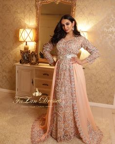 "150 mentions J'aime, 6 commentaires - FaZan Dresses Essen NRW (@fazan_dresses) sur Instagram : ""Spring-Collection ❤️ by #FaZandresses ....enjoy your glamorous Moment...! #takshita #takchita…"" Kaftan, Wedding Hijab Styles, Indian Wedding Gowns, Moroccan Dress, Evening Dresses, Formal Dresses, Abaya Fashion, Spring Collection, I Dress"
