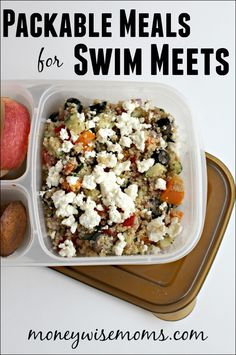 Swim Meet Dinners {Packable Meals} Save money and eat healthier by skipping the swim meet concession stand with these 10 Swim Meet Dinners, salads and sandwiches that are perfect to pack! Sports Snacks, Team Snacks, Sports Food, Frugal Meals, Budget Meals, Easy Meals, Easy Recipes, Dinner Recipes, Healthy Snacks