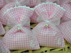 Flax Pink Hand Made Favor Bag with Pearl Decorations/ Wedding Favor bag / Party Favor Bag / Event favor bag by NaturalbeautyDIY on Etsy Lavender Bags, Lavender Sachets, Reusable Things, Vichy Rose, Sewing Crafts, Sewing Projects, Sachet Bags, Scented Sachets, Fabric Gift Bags