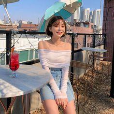 """츄 chuu korea official on Instagram: """"#chuuseoul"""" Cute Korean Fashion, Korea Fashion, Girl Fashion, Pear Shaped Girls, Korean Best Friends, Girl Korea, Uzzlang Girl, Pretty Asian, Ulzzang Fashion"""