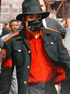 Michael Jackson Hot, Michael Jackson Neverland, Michael Love, Mike Jackson, Beautiful Person, Beautiful Smile, Michael Jackson Wallpaper, Cute Love Memes, King Of Music