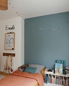 blue and coral kids room Rooms Decoration, Boys Room Decor, Kids Decor, Boy Room, Kids Bedroom, Decor Ideas, Cozy Dorm Room, Kids Corner, Bedroom Vintage