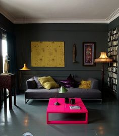 Living Room With Dark Dramatic Walls: 30 Ideas