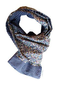 b8a82a9107b2 foulard liberty betsy ann bleu Echarpe Tour De Cou, Petite Couture, Foulards,  Tissus