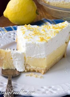 Sugar-Free Low Carb Lemon Cream Pie - This sweet and tart pie is perfect for all your summer get togethers! Sugar Free Deserts, Low Carb Deserts, Sugar Free Recipes, Lemon Recipes, Sugar Free Lemon Pie Recipe, Lemon Sugar, Yogurt Recipes, Diabetic Recipes, Low Carb Recipes