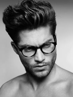 While the Pompadour started as a woman's haircut, in 2016 it's the new style for men! Check out today's modern pompadour haircut styles! Mens Hairstyles Pompadour, Latest Men Hairstyles, Mens Medium Length Hairstyles, Haircuts For Wavy Hair, Wavy Hair Men, Cool Hairstyles For Men, Haircut For Thick Hair, Short Haircuts, Hairstyle Men