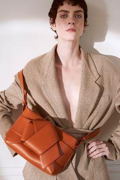 mytheresa.com x Acne Studios Musubi Leather Handbag in Cognac