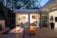An Open Eichler Home by Klopf Architecture