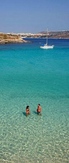 Blue Lagoon, Malta --happening