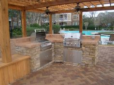 Patio with pavers and grilling island