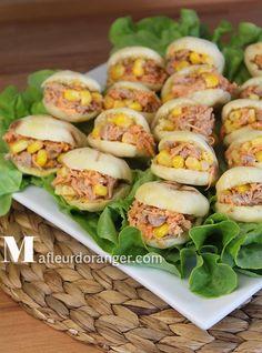 Je vous présente cette semaine la recette des batbouts farci en version min. C'est petits pains sont idéales pour faire des mini sandwichs, pour garnir un buffets ou pour un pique-nique. on les apprécie aussi sur la table de mois de Ramadan parcequ'ils...