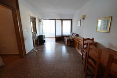 http://www.montesinosestate.com/en/property/A0844 Montesinos Falcon Real Estate offers you this apartment in the center of Moraira, Costa Blanca. The building has 3 lifts, a communal pool, a concierge and underground parking. All services are very close and in 5 min you are on the beach. Ideal for rent.