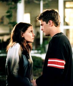 Back when Katie Holmes wasn't that crazy broad that married then divorced Tom Cruise.  Ahhh, great high school memories...  joey and pacey
