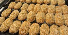 Σταφιδωτά Νησιώτικα !!! Greek Sweets, Greek Desserts, Greek Recipes, Cyprus Food, Greek Cookies, Cake Cookies, Greek Pastries, Chocolate Sweets, Yummy Food