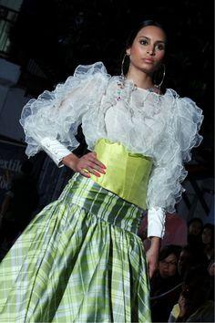 Importadora de Textiles y Moda, cremalleras, botones, sesgo, apliques, telas, pique, chiffon, lino... Textiles Y Moda, Denim, Skirts, Fashion, Buttons, Zippers, Fabrics, Pique, Moda