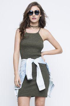 Tendência da temporada e fácil de usar, o Vestido Carim é a pedida da vez. Feito de malha canelada de algodão, é texturizado e possui alças ajustáveis. I...