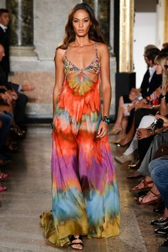 Emilio Pucci womenswear, spring/summer 2015, Milan Fashion Week // Diggin' the 70s look but really love these long flowy dresses