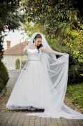 Beautiful wedding dress and long 3m veil