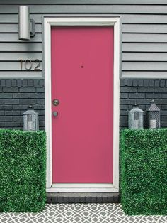 Far+from+babyish,+this+honeysuckle-pink+door+commands+attention+in+the+most+sophisticated+way+possible. Get+the+Look:+Sherwin-Williams+Eros+Pink+(SW+6860)