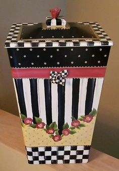 MY Lg bin w/ Mackenzie Childs Courtly Bow Supercrazychick laundry trash pet food Whimsical Painted Furniture, Funky Furniture, Mackenzie Childs Furniture, Upcycle Home, Alice In Wonderland Room, Mackenzie Childs Inspired, Mckenzie And Childs, Bright Decor, Decoration