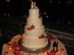 Fall Halloween wedding cake my cake! Halloween Wedding Cakes, Round Wedding Cakes, Centerpieces, Table Decorations, Dream Wedding, Wedding Stuff, Wedding Ideas, My Flower, Fall Halloween