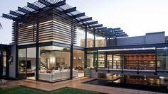 + Arquitetura :     Casa projetada pelos arquitetos da Nico van der Meulen e está localizada em Limpopo (Africa do Sul).