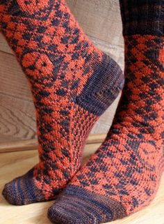 Aargh! gyle Socks - Happy Knit Like A Pirate Day! - Skulls can be worked with or without eye patches, eye patches to the left or right and the direction of the eyes can be varied. Pattern available for download via Knit Picks $1.99