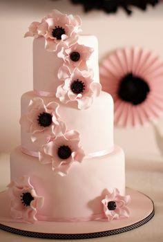 Divine Wedding Cakes For Your Big Day - MODwedding