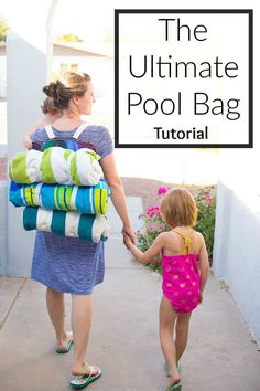 DIY amazing pool bag!  Complete with 5 interior pockets and a way to haul towels!