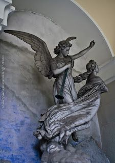 European Cemeteries: Escorted to Heaven: The dead and the angels...