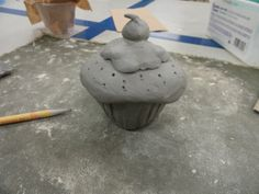 Pinch Pot Cupcake with removable top: Learning Goal: Organic Form with real texture