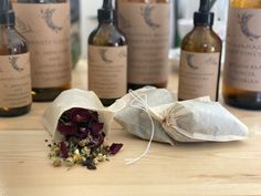 How to make a Tincture and Tea Blend for Insomnia Caused by Chronic Pain - Herbal Emily Herbs For Sleep, Insomnia Causes, Tea Blends, Chronic Pain, Herbalism, Treats, How To Make, Herbal Medicine, Sweet Like Candy