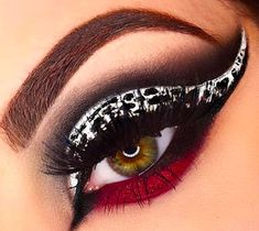 Disney Eye Makeup, Disney Inspired Makeup, Eye Makeup Art, Disney Villains Makeup, Cruella Deville Costume, Cruella De Vil Costume Ideas, Magical Makeup, Amazing Makeup, Make Up Inspiration