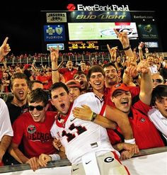 GO DAWGS! Player: Aaron Murray UGA's QB