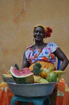 Palenquera hermosa - fruit vendor in Cartagena, Colombia