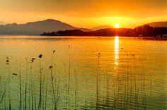 Urlaub bei Freunden in Klagenfurt am Wörthersee. BITTE TEILEN Klagenfurt, Hotels, Austria, Europe, Celestial, Sunset, Travel, Outdoor, Caribbean