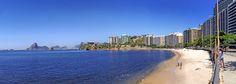 Praia da Flecha com MAC e o Rio ao fundo... idade de Niterói, RJ, Brasil.
