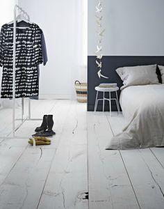Verf je muren tot halverwege, voor een speels effect dat op lambrisering lijkt. Half geschilderde muren kunnen in elke ruimte in huis.