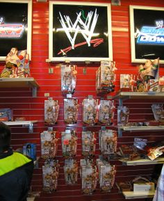 My trip to TOYS r Us in Time Sqaure during Xmas season only 2 wwe toys were left, Sheamus & Alberto del Rio, its them 2 you find in every rack
