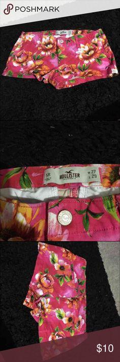 Hollister shorts Worn once size 5R Hollister Shorts Bermudas