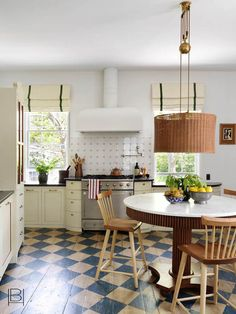 Kitchen Interior, Interior And Exterior, Beata Heuman, Central Table, Nantucket Home, Nantucket Island, Painted Floors, Painted Wood, Interior Design Companies