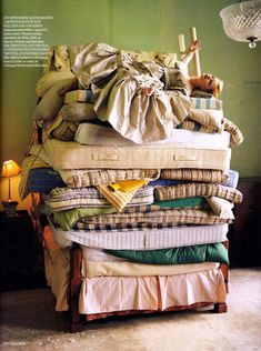 Princess and the Pea inspired photograph by Tim Walker (British Vogue, August 2006) #bed #fairytale #Tim_Walker