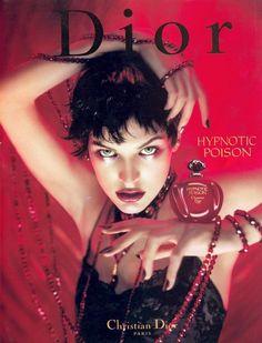 BEM-VINDO AO E.S.P FASHION BLOG BRASIL: Hypnotic Poison de Christian Dior