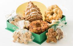 A Marie Marie Bakery (contato@marieetmarie.com.br) lança uma cesta especial, perfeita o café da manhã de Natal. Chamada de Breakfast Christmas Basket (R$ 220), é composta por bolos, pães e brownies.