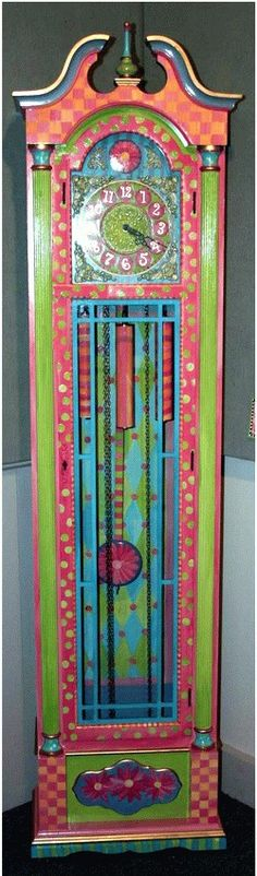 if i was going to have a grandfather clock, it would look like this!