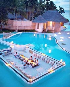 When I am 18 years old, this is what my swimming pool looks like. Dream Home Design, My Dream Home, House Design, Yard Design, Design Hotel, Vacation Places, Dream Vacations, Vacation Travel, Honeymoon Destinations