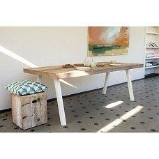 PURE wood design Industriele tafel steigerhout met schuine poot