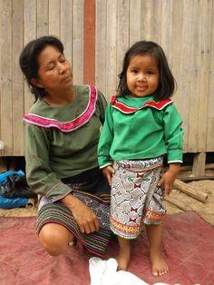 A Shipibo-Conibo woman and girl in traditional dress. San Fransisco, Peru http://www.travelblog.org/Photos/3356713